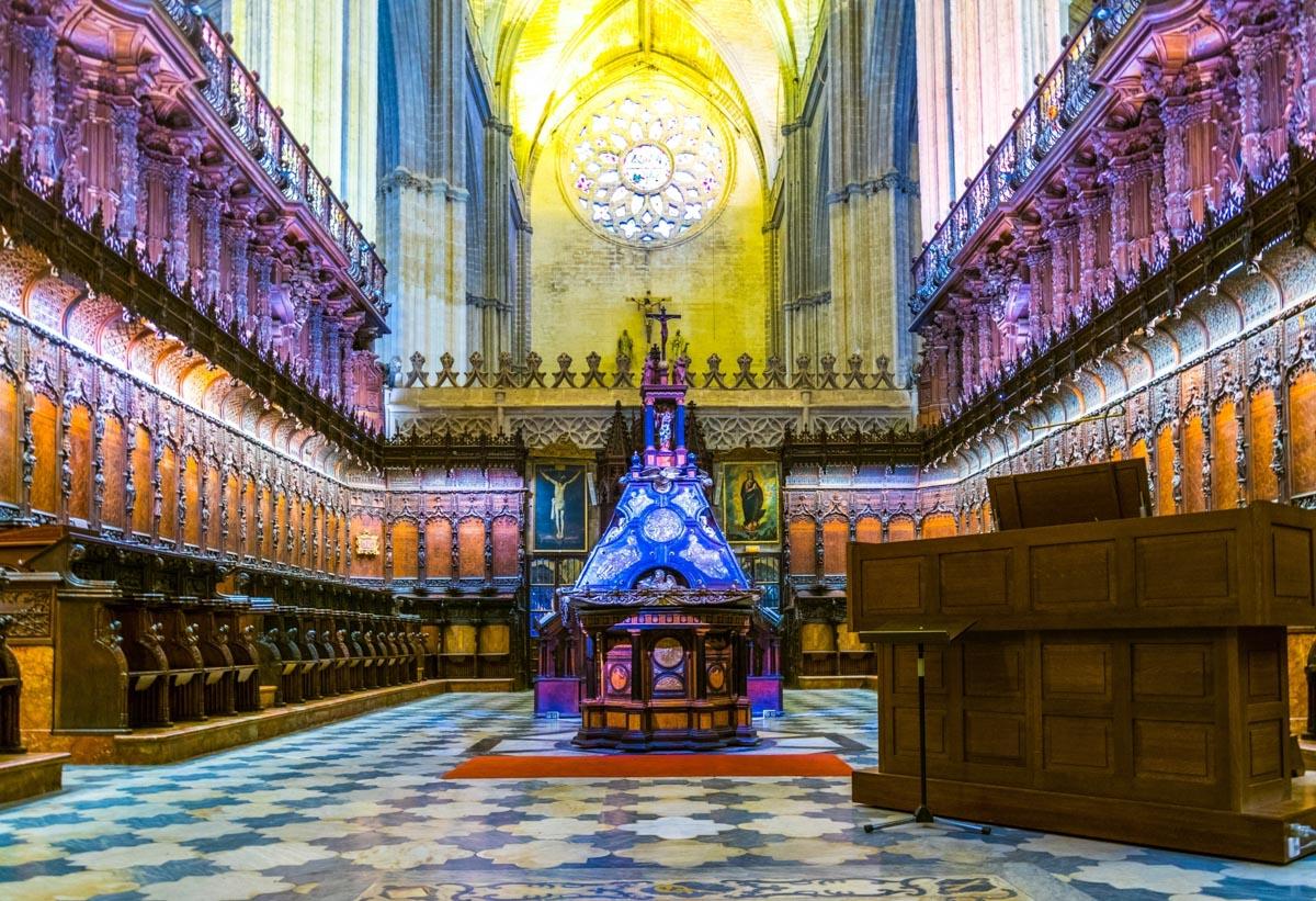 interieur-cathedrale-seville